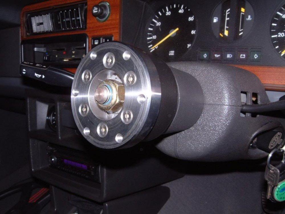 Steeringwheelfitting4-1_zpsede59fc9.jpg